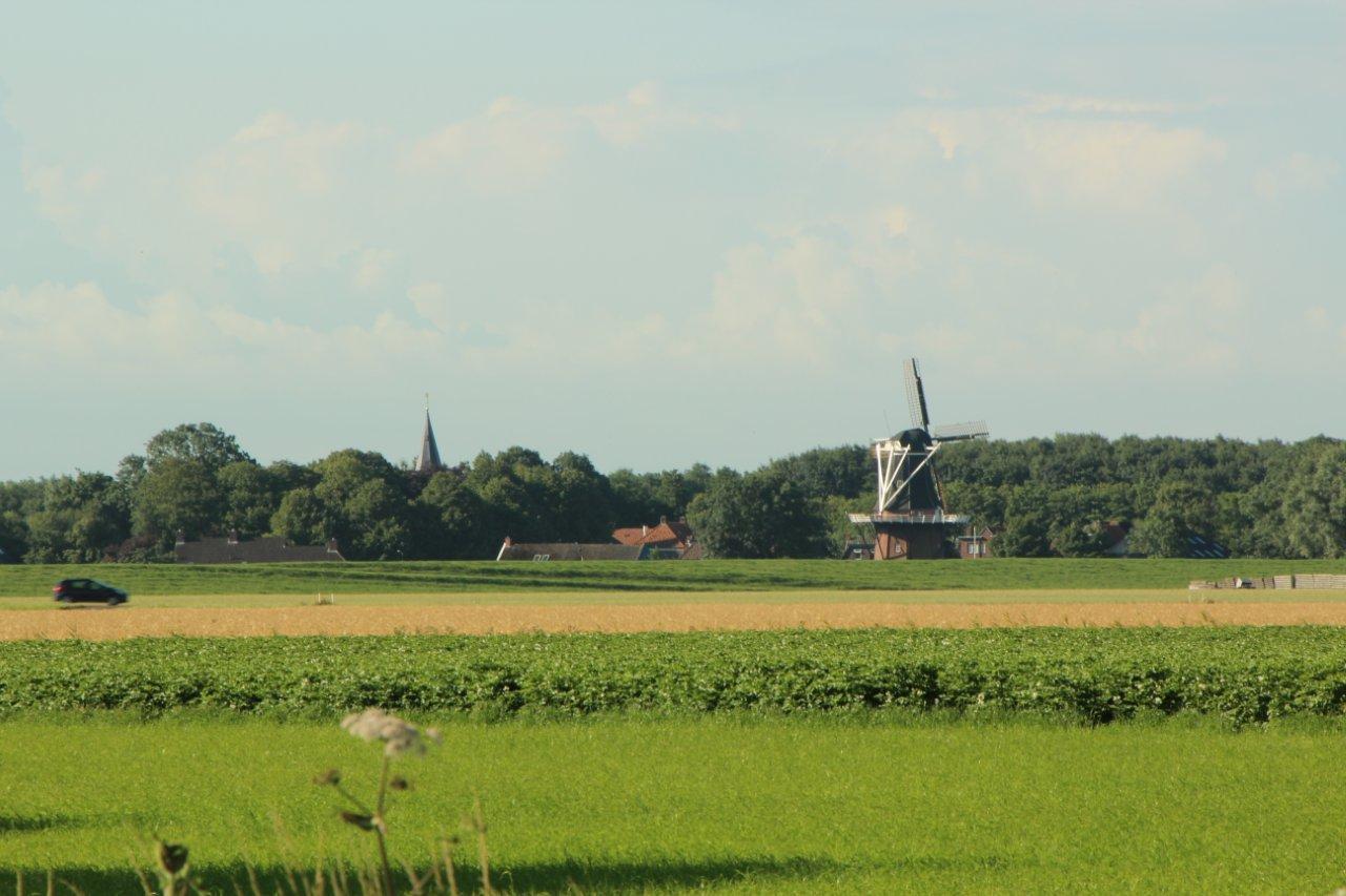 Kerk en molen van Vierhuizen