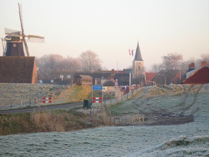 Winters aanzicht van Vierhuizen